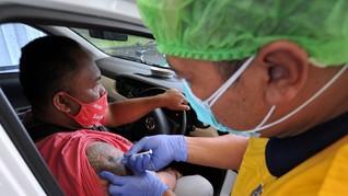 FOTO: Vaksinasi Covid-19 Drive Thru di Bali