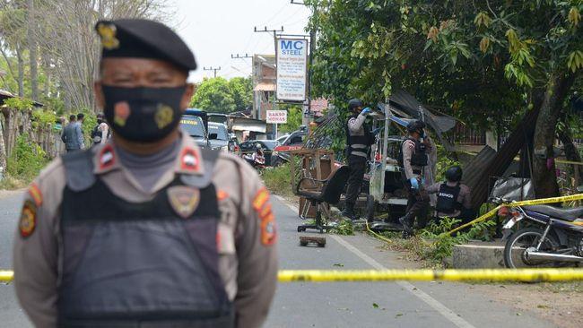 Polisi memeriksa empat orang saksi dan menanti hasil pemeriksaan labfor terkait ledakan di di Banda Aceh, Senin (1/3).