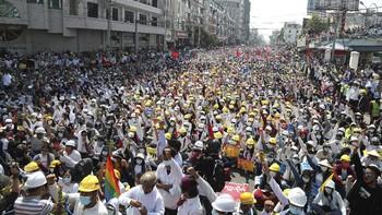 Dubes RI Minta WNI Segera Pergi dari Myanmar