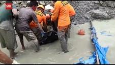 VIDEO: Tim SAR Kembali Temukan Korban Tambang Emas Longsor