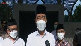 VIDEO: Jokowi Melayat Jenazah Artidjo Alkostar