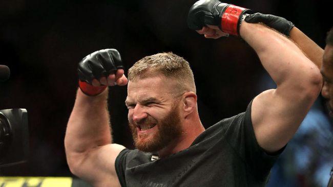 Jan Blachowicz memiliki sejumlah kelebihan yang bisa menjadi senjata guna melawan Israel Adesanya di UFC 259 di Las Vegas, Minggu (7/3).