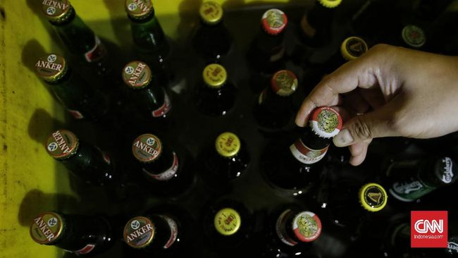Syarat yang harus dipenuhi investor untuk industri minuman keras (miras), salah satunya penanaman modal di lakukan di Bali, NTT, Sulawesi Utara, dan Papua.