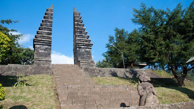 Kerajaan Majapahit adalah salah satu kerajaan besar yang menguasai hampir se-Nusantara. Berikut sejarah berdirinya, raja-raja berpengaruh, hingga peninggalan.