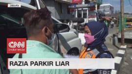 VIDEO: Razia Parkir Liar, Pengemudi Tolak Mobilnya Diderek