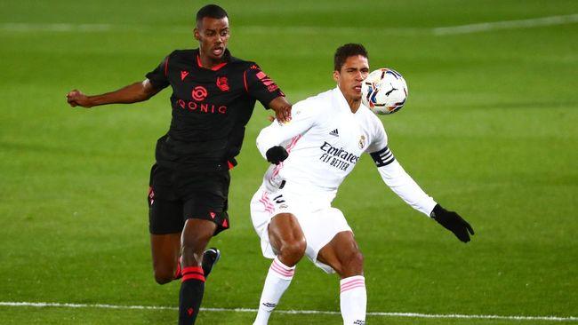 Manchester United dikabarkan siap memenuhi biaya transfer yang diminta Real Madrid untuk Raphael Varane.
