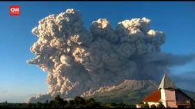 VIDEO: Gunung Sinabung Erupsi, Tinggi Kolom Abu 5.000 M