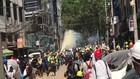 VIDEO: Sudah 18 Orang Tewas, Bentrokan Terus Terjadi