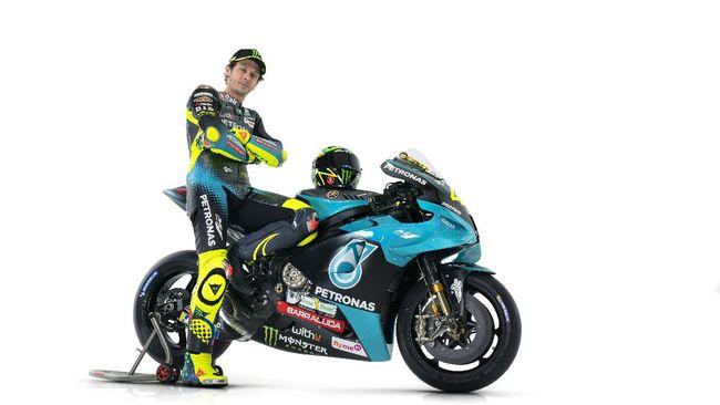Valentino Rossi menggunakan Yamaha YZR-M1 2020 di tim satelit Petronas SRT, sama seperti spesifikasi Maverick Vinales dan Quartararo di tim pabrikan Yamaha.