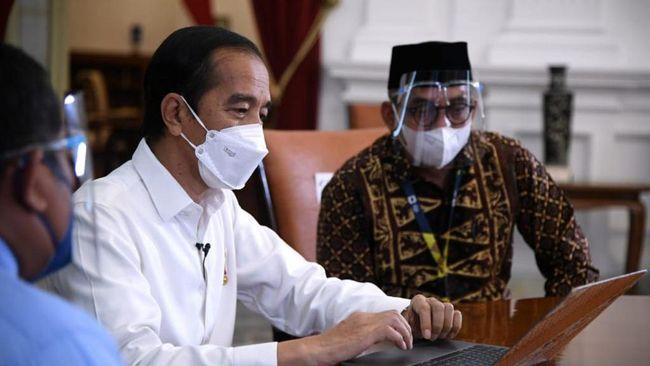 Presiden Jokowi melaporkan SPT Tahunan 2020 melalui aplikasi daring e-filling pada Rabu (3/3) ini.