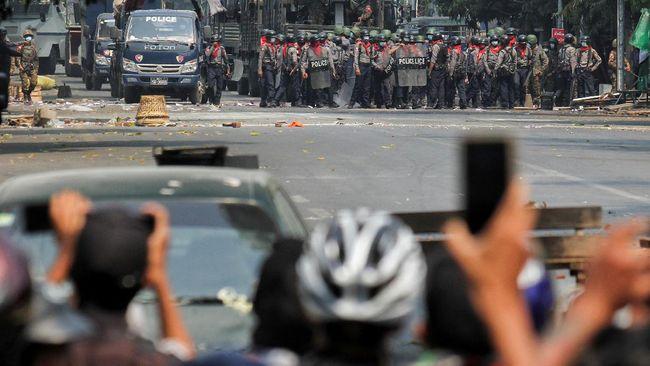 Pemerintah bayangan Myanmar mendesak para pemimpin ASEAN untuk mengundang mereka dalam KTT di Jakarta pada (24/4).