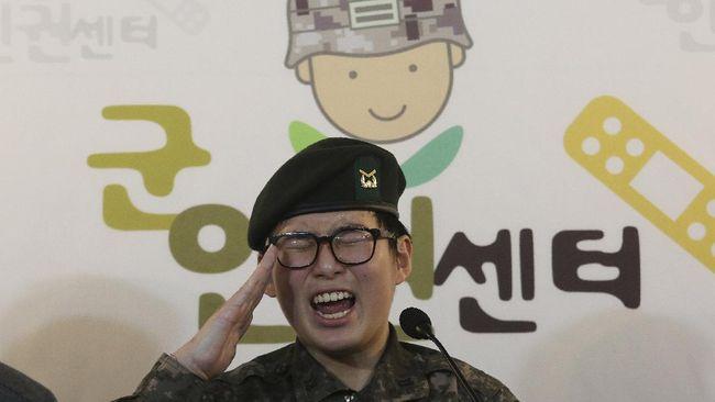 Seorang tentara transgender pertama Korea Selatan, Byun Hui-su ditemukan tewas pada Rabu (3/3).
