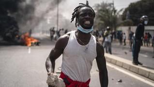 FOTO: Demo Penangkapan Pemimpin Oposisi Senegal Rusuh