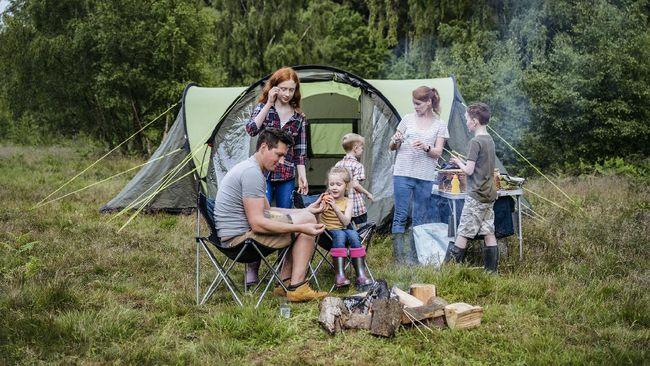 Berikut tujuh rekomendasi tempat kemah di Bogor untuk yang ingin camping bersama keluarga.