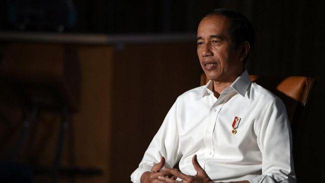Jokowi menegaskan melarang seluruh proyek pemerintah dan BUMN menggunakan barang impor, demi meningkatkan TKDN.