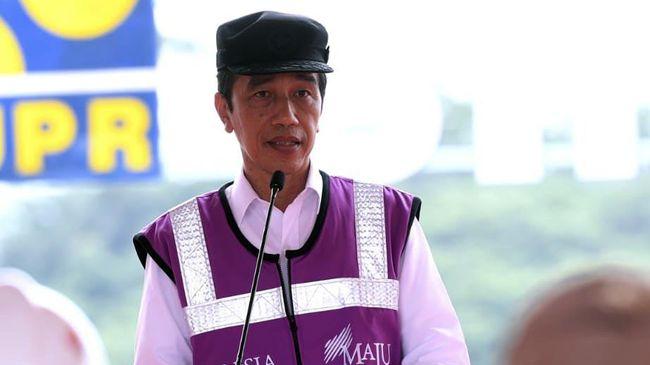 Presiden Jokowi menerima keluhan nelayan di PPDI Brondong, Lamongan, Jatim. Salah satunya terkait pendangkalan pelabuhan di dua lokasi.