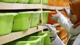 Para peneliti mempelajari kandungan dalam racun kalajengking dan mengembangkannya jadi komoditas bidang kefarmasian.