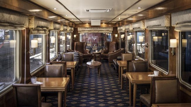 Bagi penduduk asli Afrika Selatan, naik kereta mewah Blue Train seperti mimpi yang menjadi kenyataan.