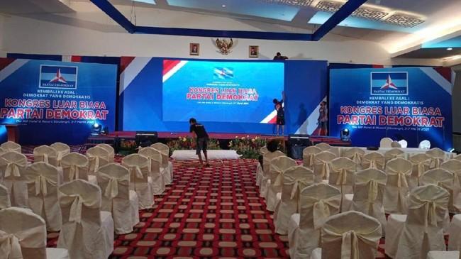 Dianggap Biarkan KLB, Jokowi Ditagih soal Komitmen Demokrasi
