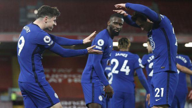 Gelandang Chelsea Mason Mount merayakan gol kemenangan ke gawang Liverpool dengan melakukan jurus kamehameha dari kartun Dragon Ball.