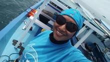 Sekar Mira, Tenggelam dan Meresapi Insting Mamalia Laut