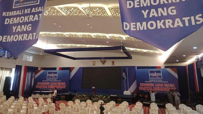 Polri menegaskan tidak mengeluarkan izin atas kegiatan Kongres Luar Biasa (KLB) Partai Demokrat yang digelar di Deli Serdang, Sumatra Utara hari ini.
