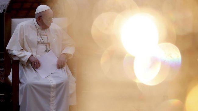 Paus Fransiskus memperbarui hukum pidana Gereja Katolik dengan memperkuat hukuman bagi imam gereja yang melakukan pelecehan seksual terhadap anak di bawah umur.