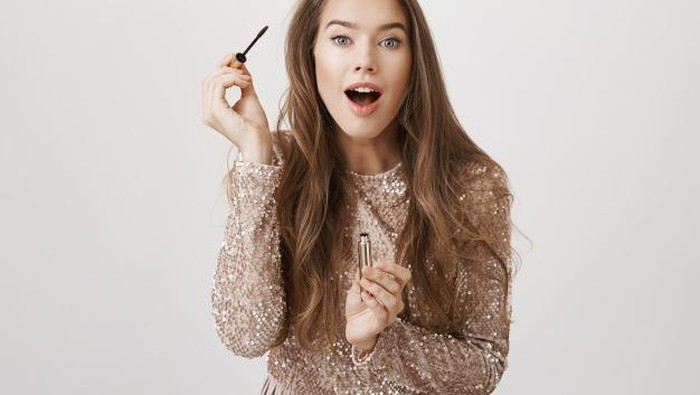 6 Mascara Drugstore Terbaik Bikin Bulu Mata Lentik
