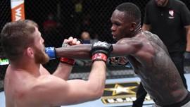 Kalah dari Blachowicz di UFC 259, Adesanya Turun Peringkat