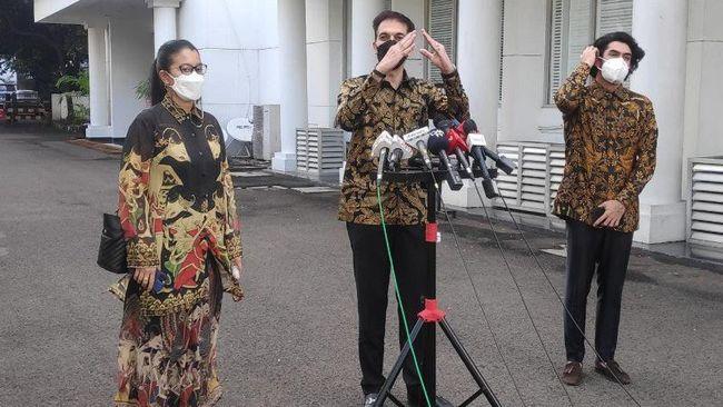 Aktor Reza Rahadian menemui Presiden Joko Widodo (Jokowi) di Istana Kepresidenan, Jakarta, menyampaikan curhat nasib perfilman nasional di masa pandemi.