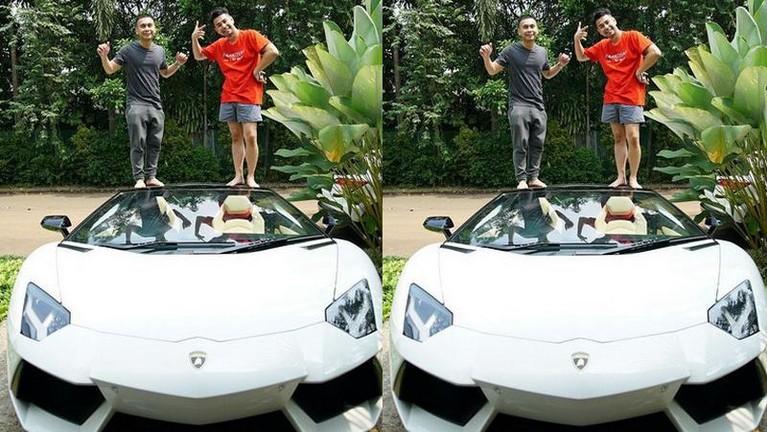 Lamborghini ringsek tabrak kijang kapsul, berikut koleksi mobil mewah Raffi Ahmad