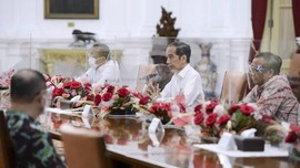 PSHK: UU Ciptaker Tak Sesuai Janji Jokowi Ringkas Aturan