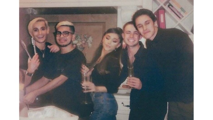 Hubungan keduanya juga sangat disetujui oleh keluarga dan teman-teman terdekat mereka / foto: instagram.com/arianagrande
