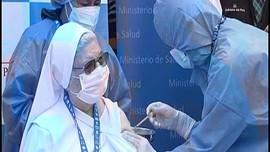 VIDEO: Jutaan Lansia di Peru Mulai Vaksinasi Covid-19