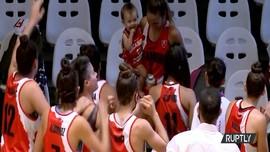 VIDEO: Unik, Pemain Basket Beri ASI Saat Istirahat