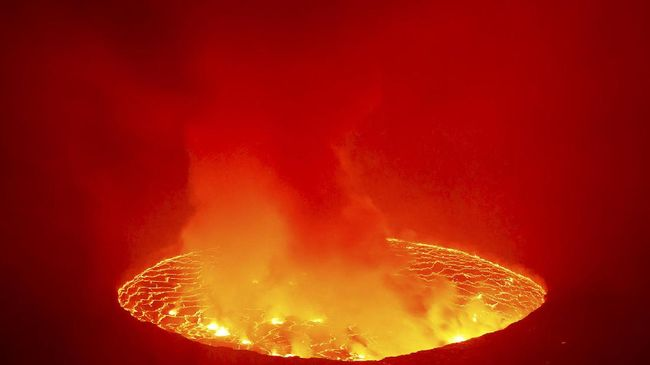 Gunung Nyiragongo terakhir meletus pada 17 Januari 2002, menewaskan lebih dari seratus orang dan menutupi hampir semua bagian timur Goma dengan lahar.