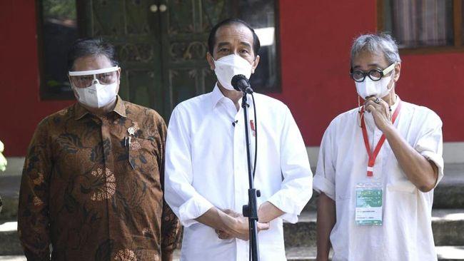 Presiden Jokowi menegaskan masyarakat harus tetap menjalankan 3M dan mewaspadai Covid-19, sekalipun sudah ada vaksin.