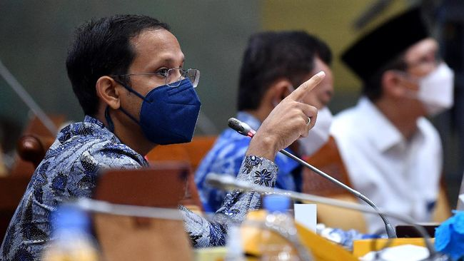 Mendikbud Nadiem bertemu dengan Ketum PDIP Megawati selama dua jam untuk membahas program Merdeka Belajar dan Pelajar Pancasila.