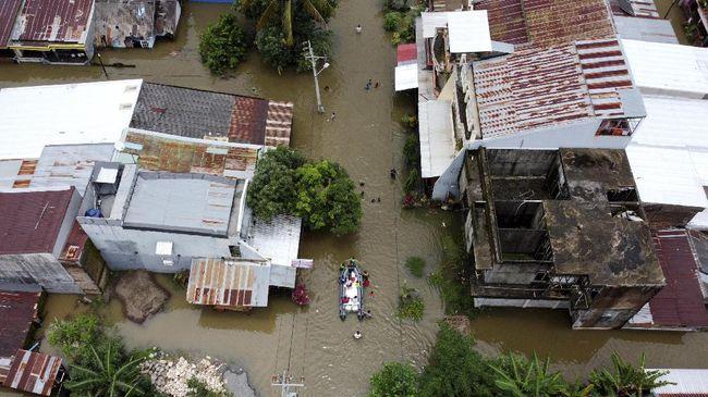 BNPB memberikan pembaruan (update) data korban banjir NTT, 181 meninggal dan 48 hilang.