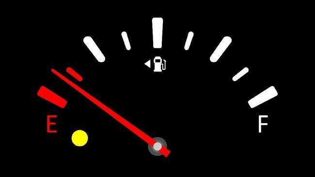 Melonjaknya popularitas mobil listrik membuat beberapa negara sudah mulai menerapkan kebijakan melarang mobil bensin atau solar.