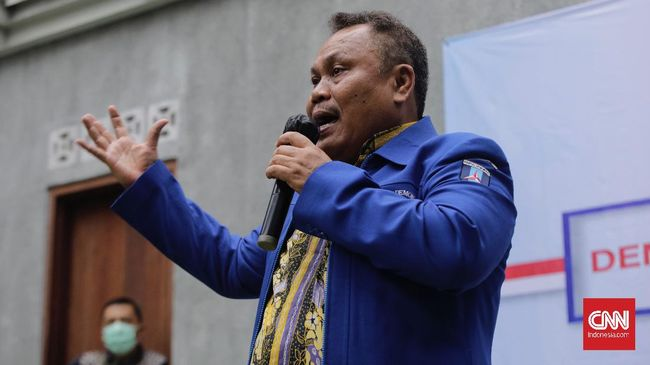 HUT Partai Demokrat kubu Deli Serdang digelar di Kabupaten Tangerang, Banten. Acara itu dibubarkan oleh kubu Demokrat AHY dan kepolisian.