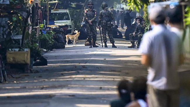 Demonstrasi menolak junta militer dan aksi aparat yang meredamnya di Myanmar kembali bersimbah darah korban jiwa pada Minggu (2/5).