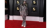 Ajang Grammy Awards telah digelar pada Minggu (14/3) waktu setempat. Sejumlah pesohor dan musisi tampil dengan gayanya masing-masing.