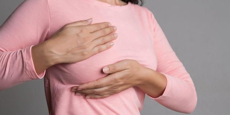Bunda, atasi segera atasi penyumbatan payudara agar tidak berkembang lebih parah. Simak tipsnya di artikel ini.