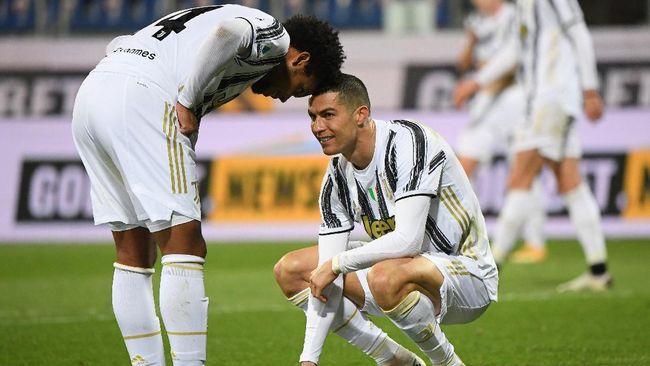 Bintang Juventus Cristiano Ronaldo diejek karena menjadi penyebab timnya kebobolan dari Parma dalam pertandingan Liga Italia, Kamis (22/4) dini hari WIB.