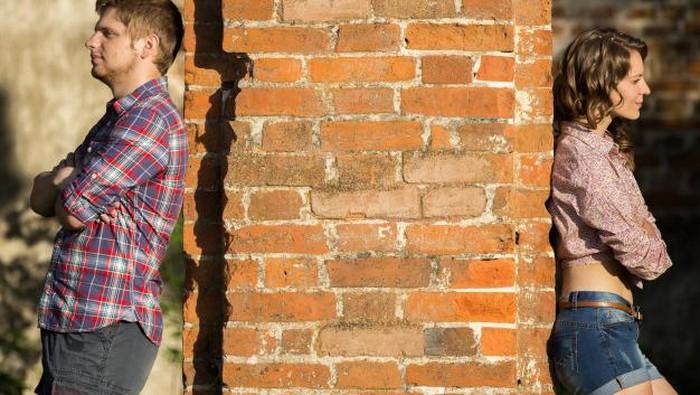 Hmm.. Ini 7 Tanda Kalau Pasangan Sebenarnya Sudah Nggak Tulus Pacaran Sama Kamu