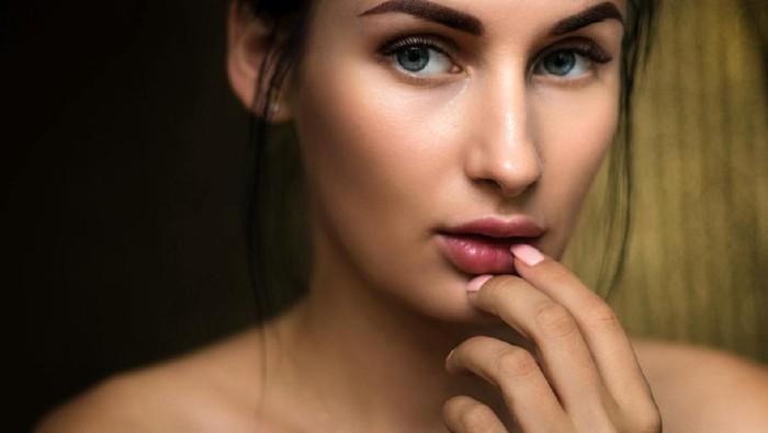 Lip Serum Lokal Affordable yang Aman dan Asli Terdaftar BPOM!