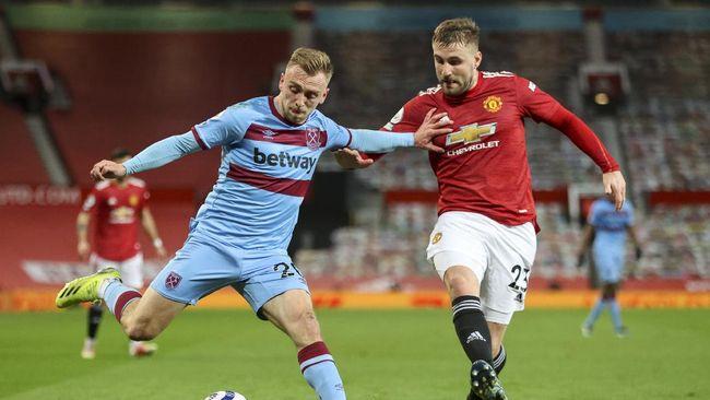 Klasemen Liga Inggris mengalami perubahan setelah Manchester United dan Arsenal meraih kemenangan pada pekan ini.