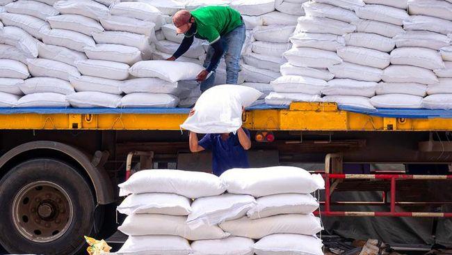 Wakil Ketua Komisi IV DPR RI Hasan Aminuddin mengungkap pihaknya menolak rencana pemerintah dalam melakukan impor beras 1 juta ton