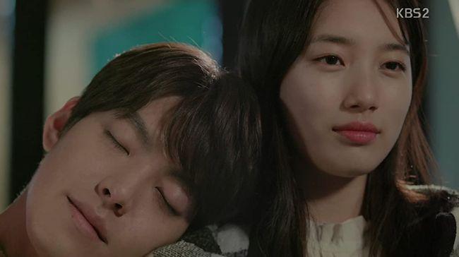 Drama Korea Uncontrollably Fond dibintangi oleh Bae Suzy dan Kim Woo-bin. Drama ini berhasil menguras air mata penonton.